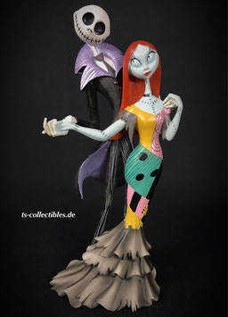 Jack and Sally Deluxe Nightmare Before Christmas Disney Showcase Collection 22cm Resin Statue Enesco