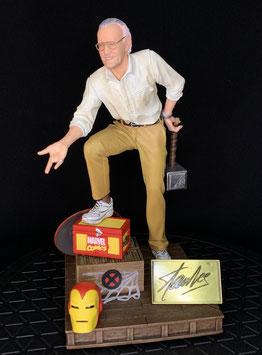 Stan Lee 1/10 Marvel Deluxe Art Scale 20cm Resin Statue Iron Studios