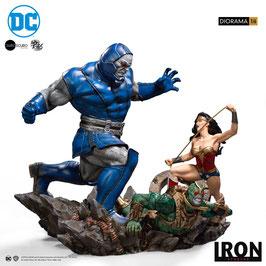 Wonder Woman Vs Darkseid 1/6 DC Comics Diorama by Ivan Reis Polystone Statue 54cm Iron Studios