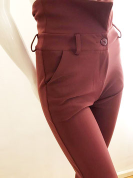 Auberginefarbene Shape-Hose von Christies / Größe 34