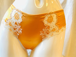 Orangegelber String-Shortie von Cotton Club / Größe 34/36