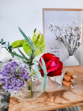 Bloemen in vaasje