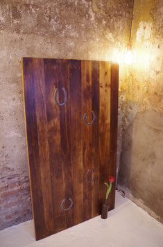 Klassische Tischplatte aus ca. 150 Jahre alten Eichenbohlen mit Ansteckplatte