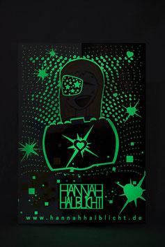 Leuchtposter fürs Kinderzimmer - Leuchtsterne, Leuchtherzen:  Motiv Hannah Halblicht leuchtet im Dunkeln