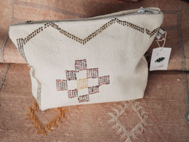 CACTUS SILK CLUTCH WHITE