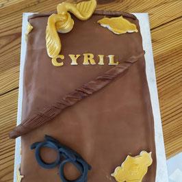 Gâteau grimoire des objets magiques