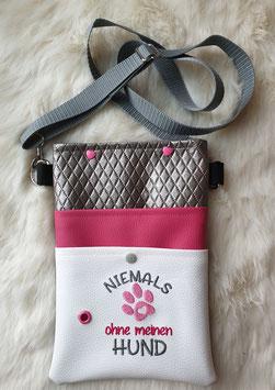 Gassi Tasche Niemals ohne meinen Hund Leder Weiß/Pink/Silber