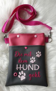 Gassi Tasche klein Die mit dem Hund geht Grau/Pink