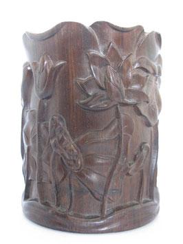 Деревянный (сандаловый) стакан с лотосами