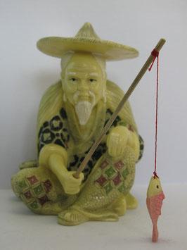 Костяная фигурка дедушки-рыбака
