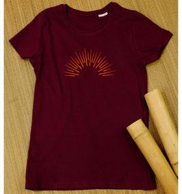 Sommer Damen T-Shirt mit Sonnenstrahlen| weinrot | 100 % Bio Baumwolle