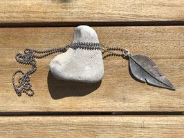 Halskette mit Blatt silberfarben