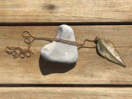 Halskette mit Feder goldfarben
