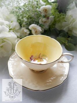 335. パラゴン/モクモク模様の淡いトープ色・桃のティーカップ(英1940年頃)