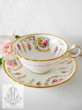 277.  コウルドン/野薔薇とイングリッシュローズのティーカップ(英19056-1920)