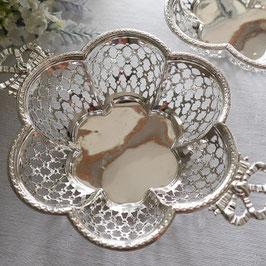 209. リボンのハンドル花形ボンボンディッシュ/スターリングシルバー(英1910)Sterling silver bon bon dish with ribbon handles