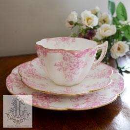 201.  ワイルマン/ヴァイオレットシェイプ・ピンクフローラルトリオ(英1899-1913)Wileman Pink Floral Violet Shape Trio