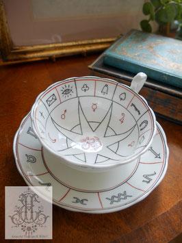 258. エインズレイ ネルロス占いカップ(英1910~1920年頃)