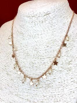 Collana con pendenti in perle di fiume e stelle