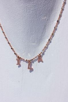 Girocollo Sissi con lettere small oro rosa e zirconi bianchi