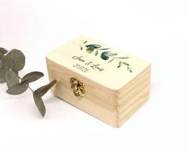 Ringkästchen aus Holz für Hochzeitsringe Vintage Ekalyptus mit Namen 10cm * 6cm *5cm