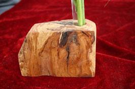 Vase aus lebendigen Zwetschgenholz