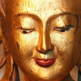 Großer burmesischer Königsbuddha