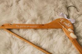 Fleurs séchées - Cintre en bois coloris naturel - 100% Made in France