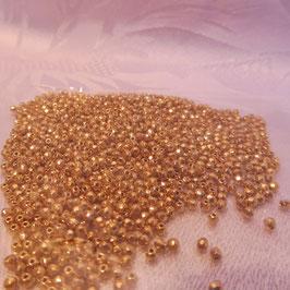 Charlottenperlen altgold 2 mm