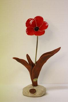 Blumenskulptur - rote Blüte