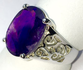 Ring with amethyst, 5,45 ct