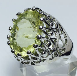 Ring with lemon quartz, 10,55 ct.