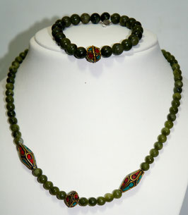 Set necklace and bracelet jade