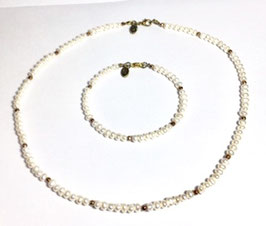 Handmade necklace and bracelet with  pyrite and papanese pearls
