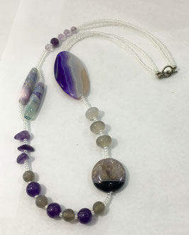 Necklace with quartz, Amethyst and agate