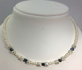 Necklace with natural japanese pearls and 5 blue sapphires beads