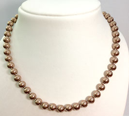 Necklace with  cultured pearls