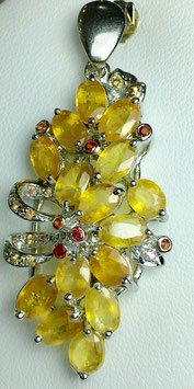 Pendant with sapphires, 9,46 ct.
