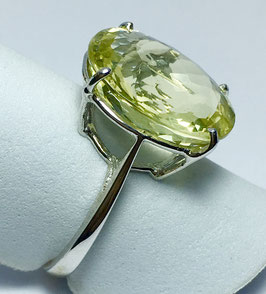 Ring with lemon quartz, 10,05 ct.