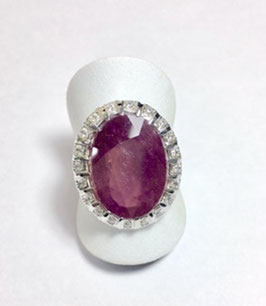 Ring with ruby, 14,85 ct. and  20 cubic zirconia