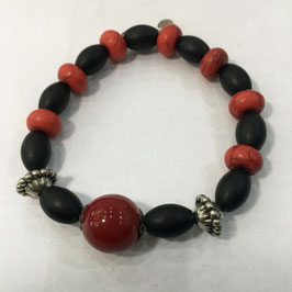 Handmade bracelet with hoplite and black stone beads
