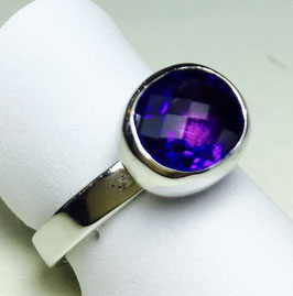 CUSTOM MADE ring with cushion cut, deep violet amethyst