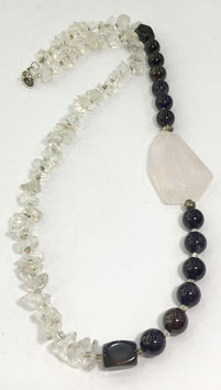 Necklace wth amethyst, rose quartz and quartz