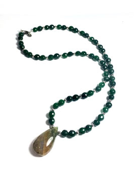One of a kind handmade necklace with jade beads and agate pendant