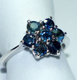 Ring   7  Sapphires