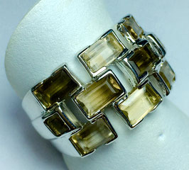 Ring with 10 citrine