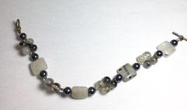 Bracelet with rutile quartz beads