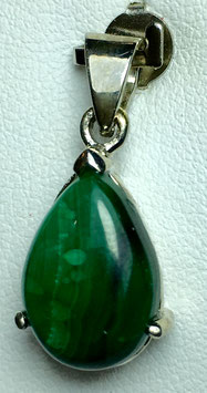 Pendant with malachite, 6,38 ct.