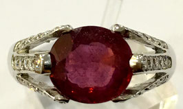 Ring with ruby from mozambique, 3,28 ct. and 39 cz-diamonds