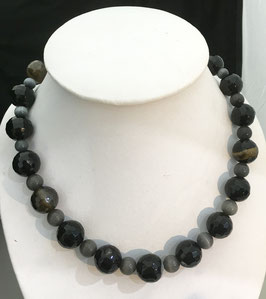 Handmade agate and cat eye necklace